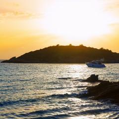 Sant Elm e la vicina isola di Dragonera